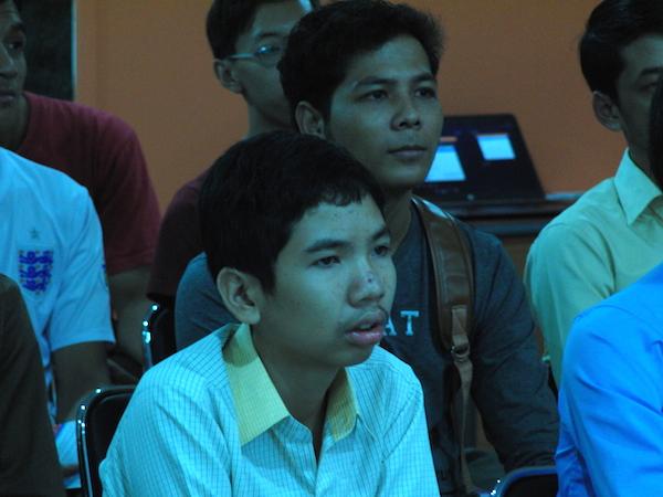 សកម្មភាពអ្នកចូលរួមសកម្មវិធី MiniBarCamp 2014