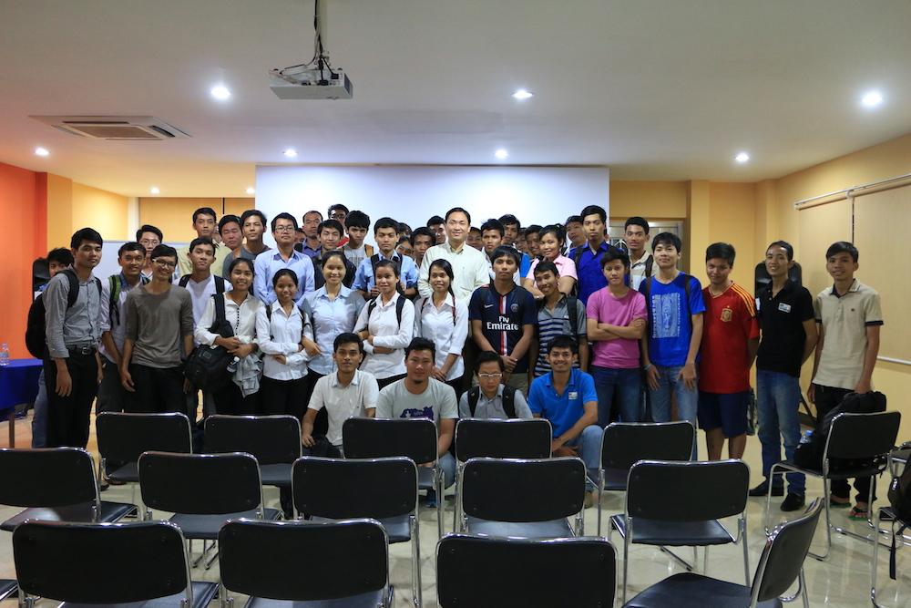 រូបភាពមុនពេលបញ្ចប់កម្មវិធី MiniBarCamp 2014
